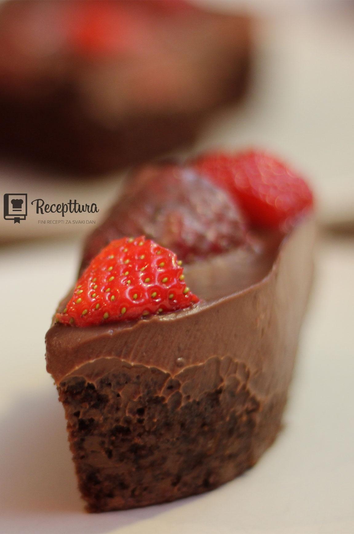 Čokoladne jagoda kocke provorazredna su poslastica s prizvukom romantike